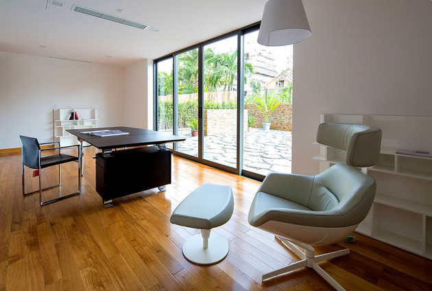 simple-sophisticated-contemporary-home-design-6-office.jpg