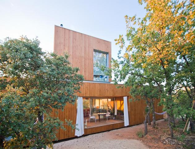 small-forest-cabin-designed-built-environmental-standards-10-back-view.jpg