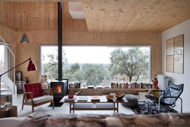 small-forest-cabin-designed-built-environmental-standards-7-living.jpg