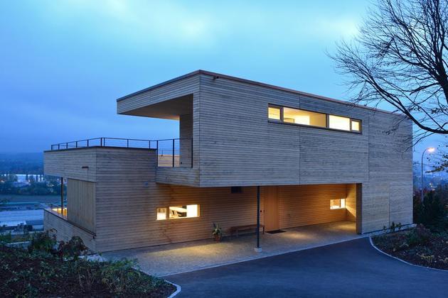 sustainable-geometric-house-rooftop-terrace-3-driveway.jpg