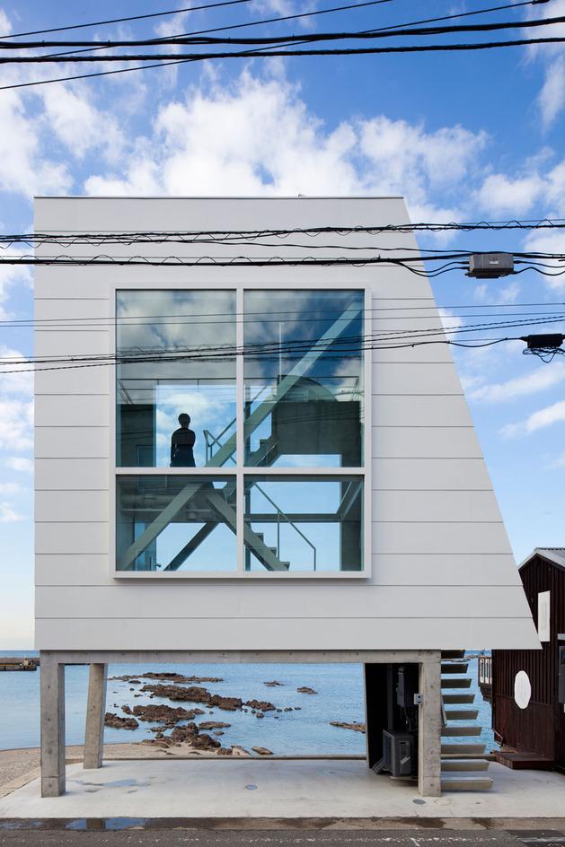 tiny-oceanfront-cabin-stilts-12-exterior.jpg
