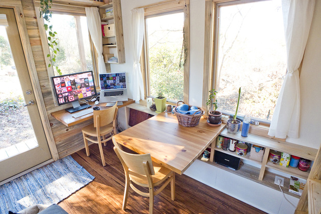 tiny-trailer-mounted-eco-friendly-traveling-home-4-desks.jpg