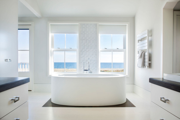 traditional-exterior-hides-colourfully-contemporary-interior-31-ensuite-tub.jpg