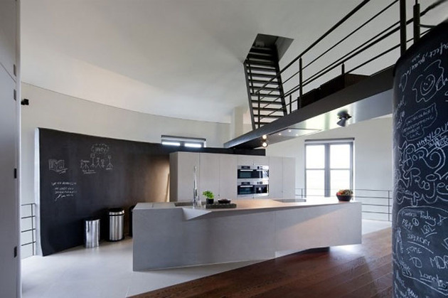 water-tower-converted-private-residence-6-kitchen.jpg