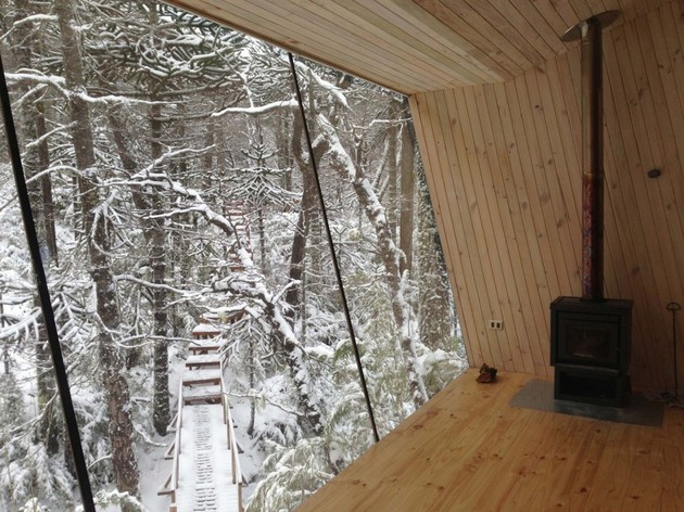 winter-cabin-accessed-elevated-walkway-12-stair-view.jpg