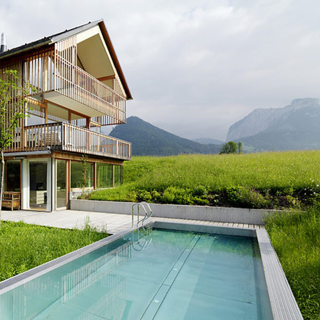 wood-and-glass-mountain-house-with-trio-of-terraces-4.jpg