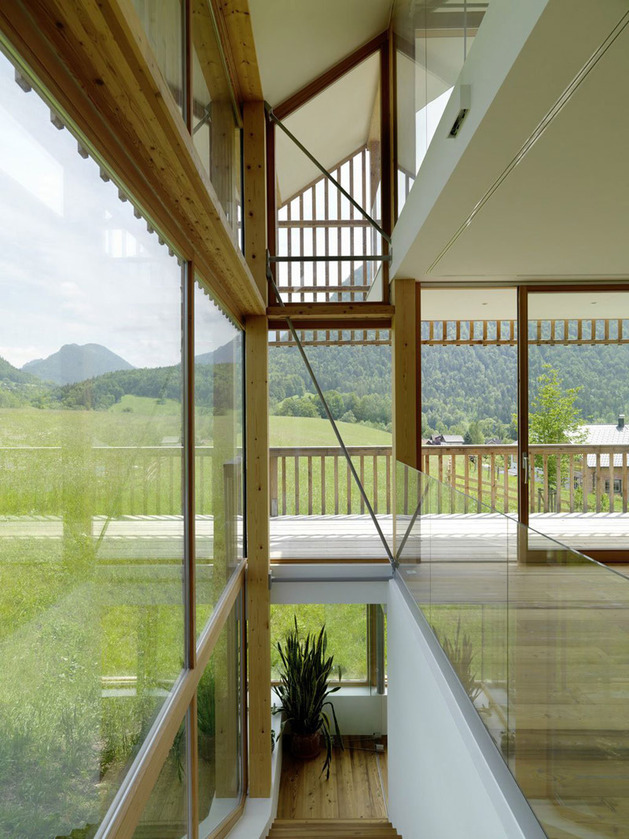 wood-and-glass-mountain-house-with-trio-of-terraces-6.jpg
