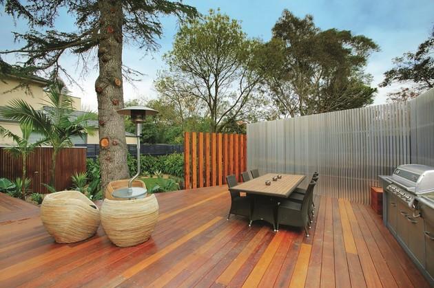 3-storey-modern-house-with-timess-design-3.jpg