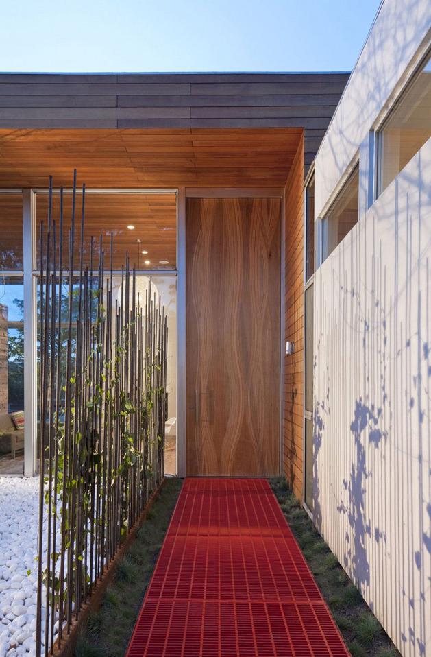 alfresco california home with rustic wood ceilings 2 thumb autox958 34191 Alfresco Home with Rustic Wood Interiors