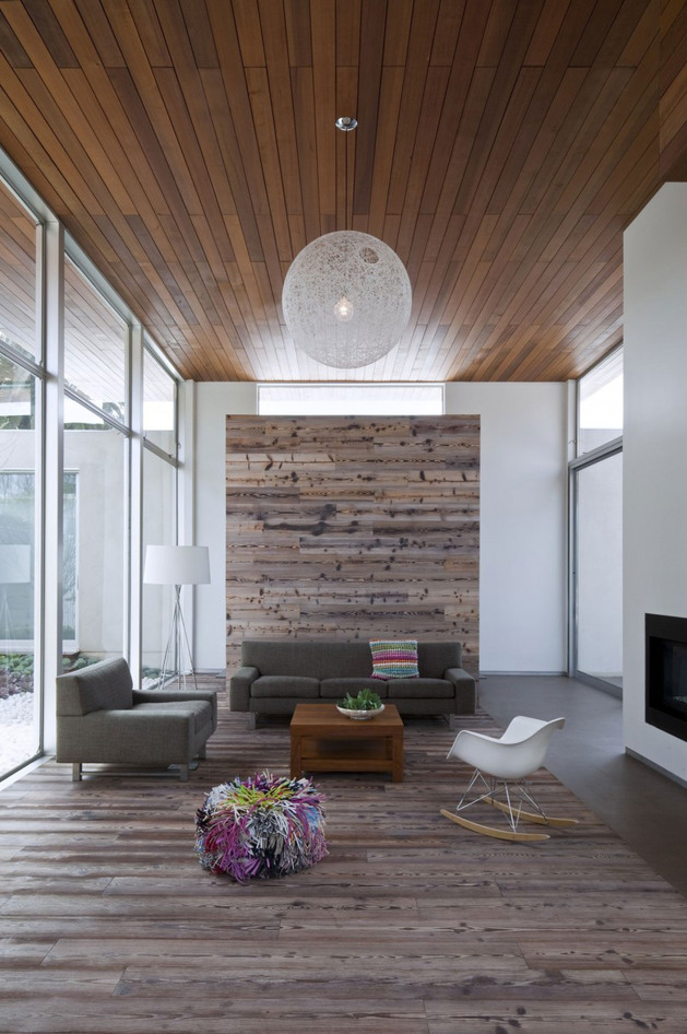 alfresco-california-home-with-rustic-wood-ceilings-3.jpg