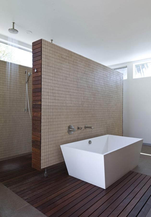 alfresco-california-home-with-rustic-wood-ceilings-7.jpg