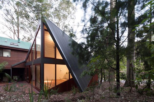 beach house expansion triangular roofline 1 roofline thumb 630xauto 34069 Beach House Expansion with Triangular Roofline