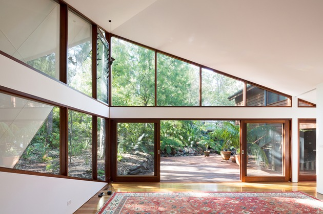 beach-house-expansion-triangular-roofline-4-studio.jpg