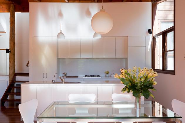 beach-house-expansion-triangular-roofline-6-kitchen.jpg