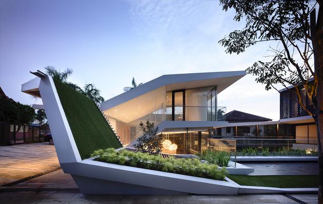 beautiful-house-courtyard-swimming-pool-3-roofgarden.jpg