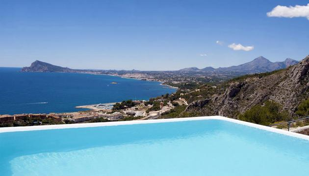 concrete-home-2nd-level-pool-360-degree-views-8-pool.jpg