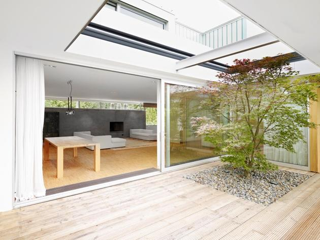 contemporary-renovation-and-additon-to-60's-bungalow-7.jpg