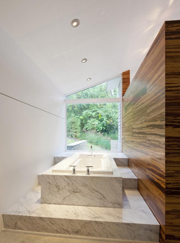 garden-house-with-lush-leafy-facade-11.jpg