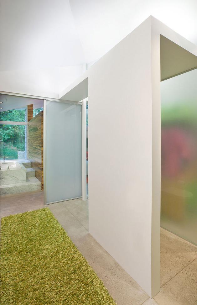 garden-house-with-lush-leafy-facade-9.jpg