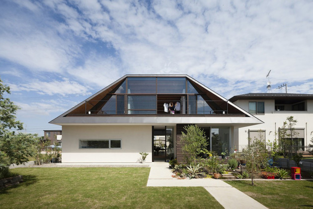 japanese house with hipped glass roof 2 thumb 630xauto 34009 Hipped Glass Roof House