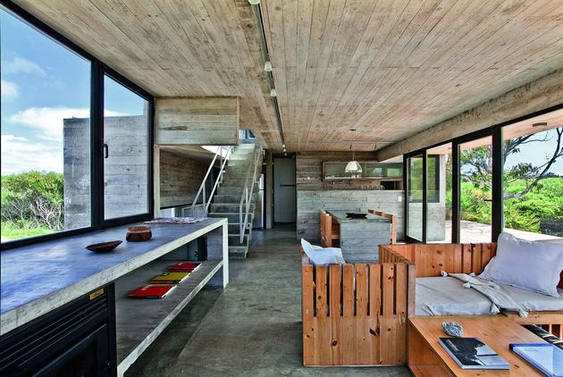 low-maintenance-concrete-beach-house-12-social.jpg