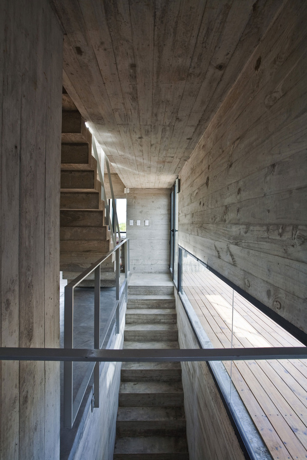 low-maintenance-concrete-beach-house-6-stairwells.jpg