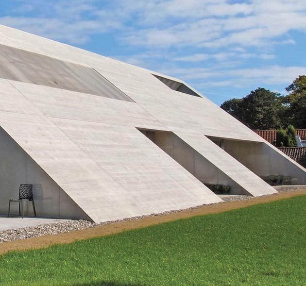 minimalist-home-unique-interpretation-gabled-roof-4-upstairs.jpg
