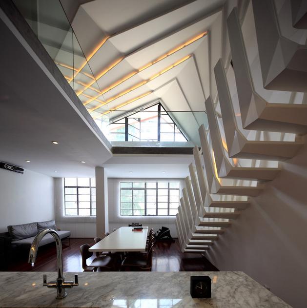modern geometric apartment loft with beautiful bones 1 thumb autox631 33977 Urban Beautification of an Apartment Loft