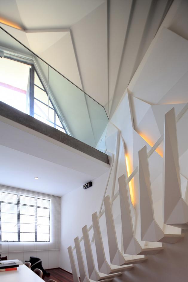modern geometric apartment loft with beautiful bones 2 thumb autox944 33979 Urban Beautification of an Apartment Loft