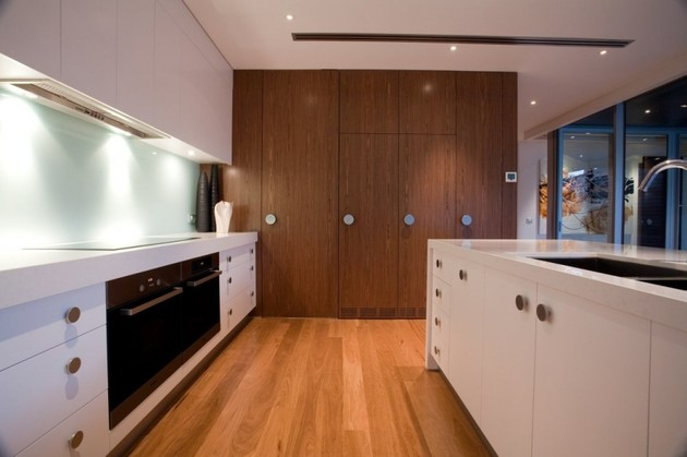 modernist-house-with-classic-stereo-cabinet-inspired-wood-volume-9.jpg