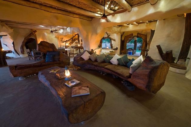 organic-holiday-home-overlooks-2-rivers-pool-13-living.jpg
