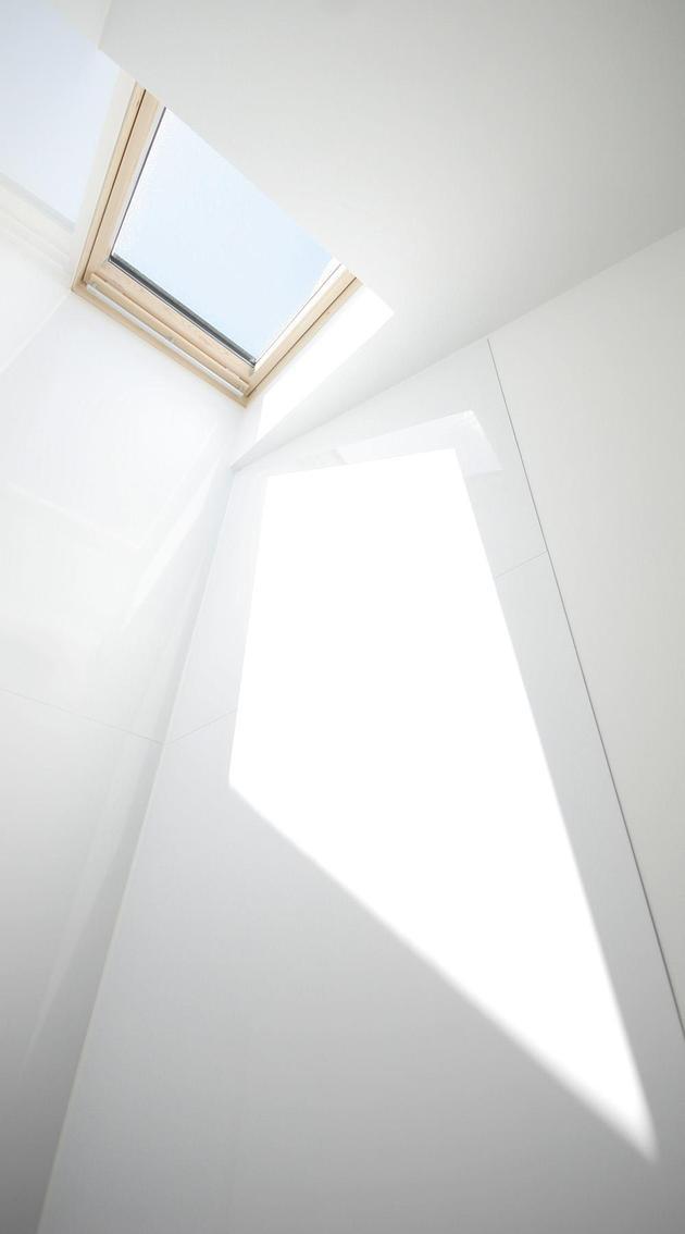 pre-fabricated-house-painted-osb-panels-14-bathroom.jpg