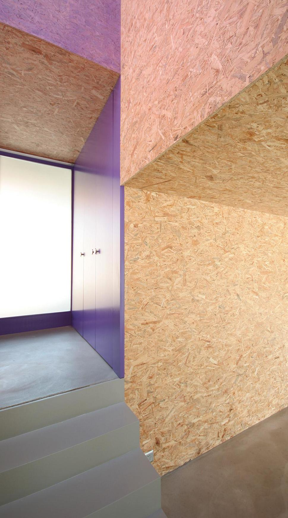 Pre-fabricated House with Painted OSB Panels