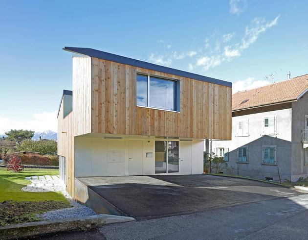 pre-fabricated-house-painted-osb-panels-4-exterior-void.jpg