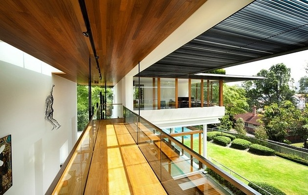 rooftop-lawn-house-with-huge-glass-walls-9-top-floor-hall.jpg