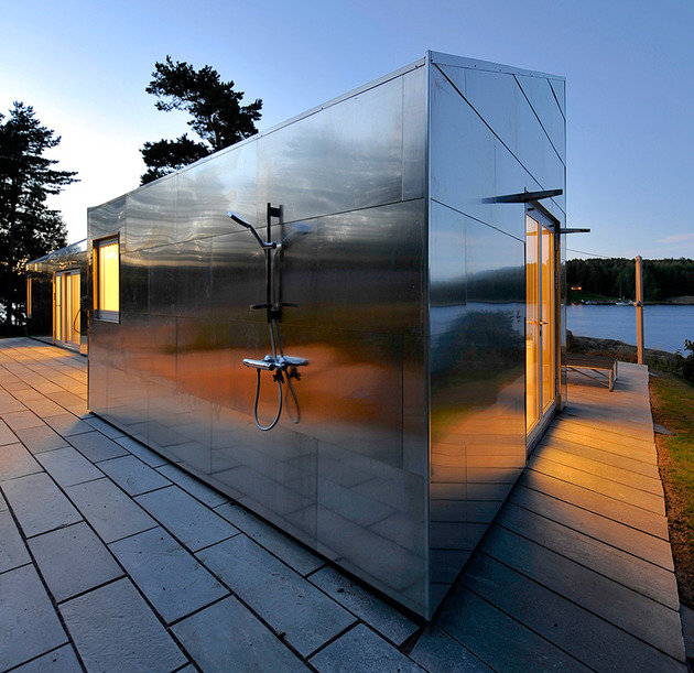 small-seaside-cabin-clad-aluminum-15-outdoor-shower.jpg