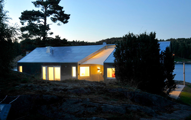 small-seaside-cabin-clad-aluminum-21-site.jpg