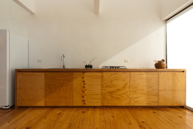 square-ocean-view-home-angled-2nd-storey-10-kitchen.jpg