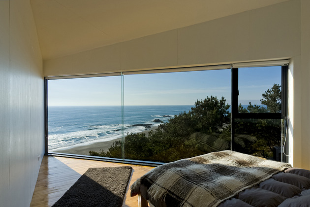 square-ocean-view-home-angled-2nd-storey-7-master-bedroom.jpg