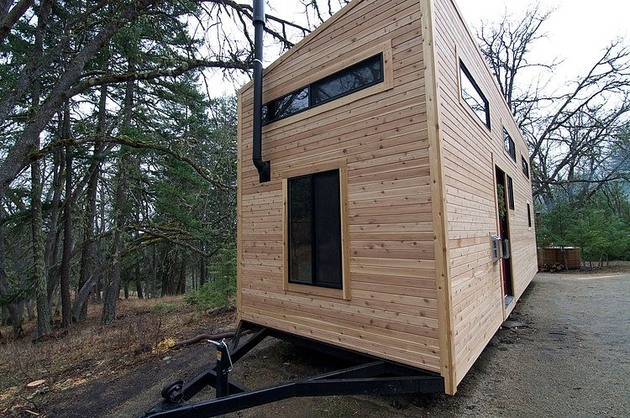 tiny-house-wheels-andrew-gabriella-morrison-15-trailor.jpg