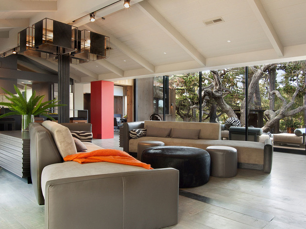 updated-mid-century-home-private-2-tier-courtyard-11-social.jpg