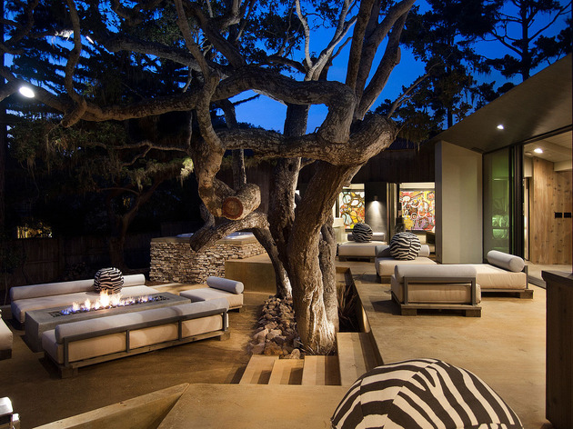 updated-mid-century-home-private-2-tier-courtyard-25-courtyard-stairs.jpg
