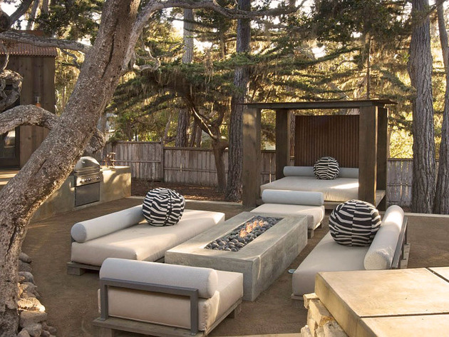 updated-mid-century-home-private-2-tier-courtyard-28-bbq.jpg