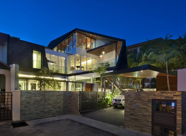 angles-colour-blocking-pool-features-home-expansion-16-evening.jpg