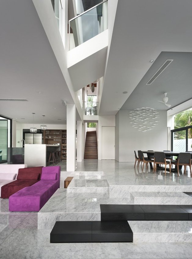 angles-colour-blocking-pool-features-home-expansion-8-dining.jpg