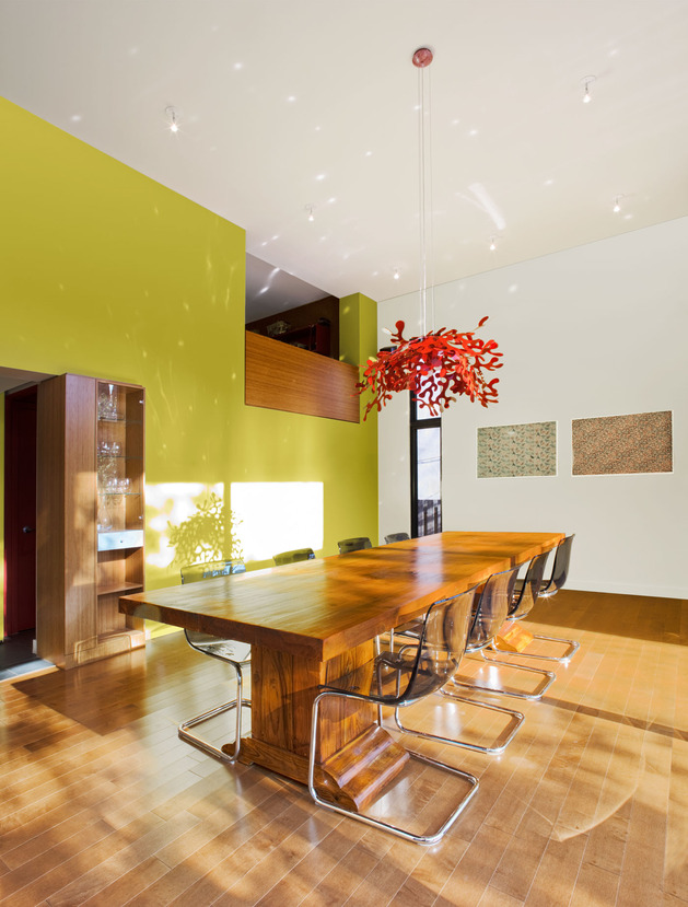 colour-wood-bring-outdoor-atmosphere-into-home-7-dining.jpg