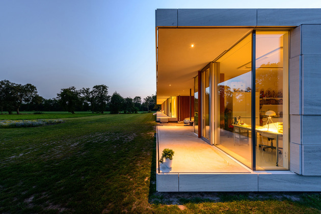 concrete-home-walls-glass-private-pasture-18-atelier.jpg
