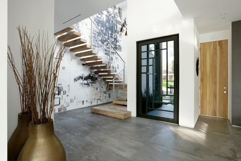 View In Gallery Contemporary Home Pool Black White Iterior 18 Foyer.