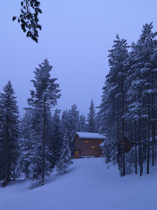 cozy mountain cabin can open to elements 2 site thumb autox839 37979 Cozy Mountain Cabin can Open Up to the Elements