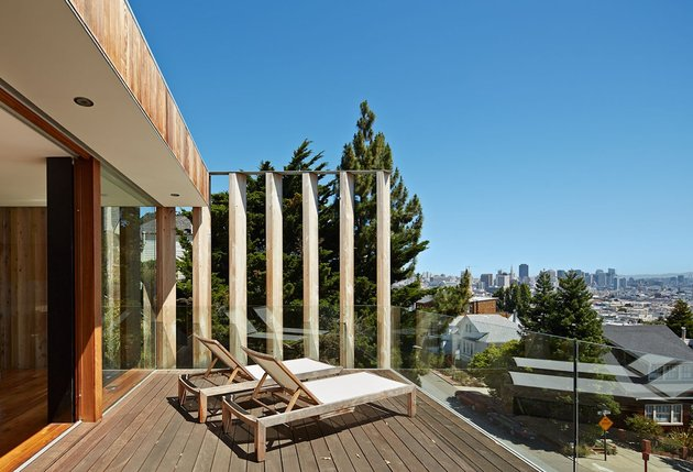 garage-upper-deck-connects-glass-home-slope-14-terrace.jpg